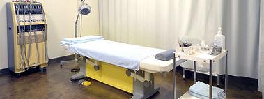 SMW_clinic_bed.jpg