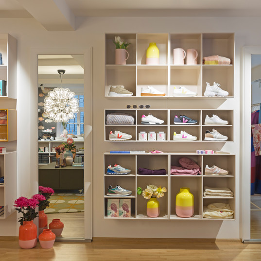 DHahn_shoe company concept store.jpg