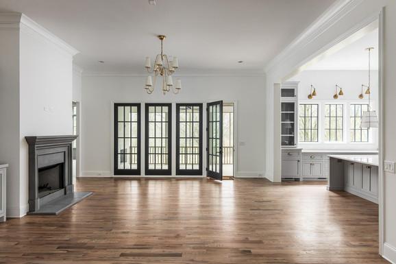 762 Bresslyn Living Room.jpeg