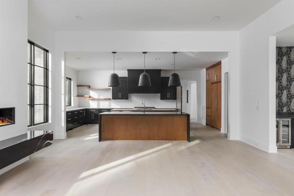 Modern Kitchen 2.jpg