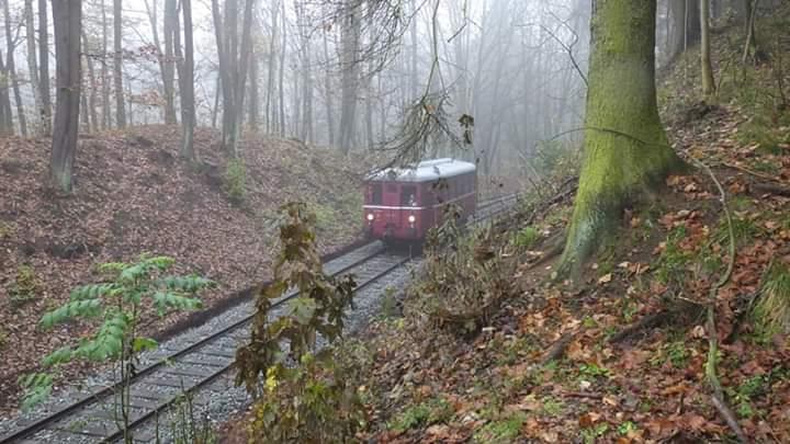 První vlak v km 6.9
