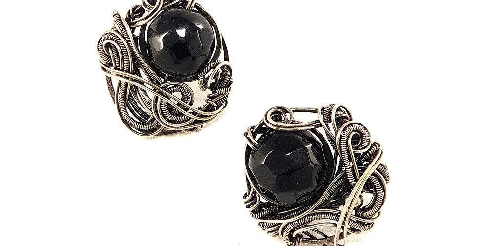 Silberne Ohrringe mit Onyx