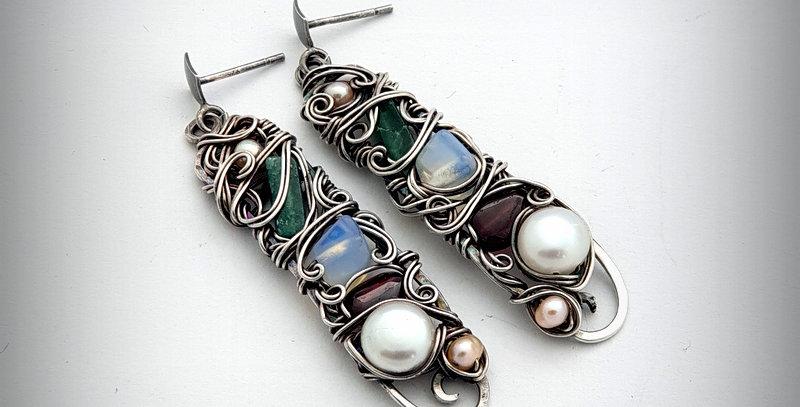 Längliche Silberne Ohrringe mit diversen Edelsteinen