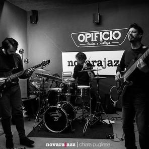 My trio SATOMI live _opificionovara, our