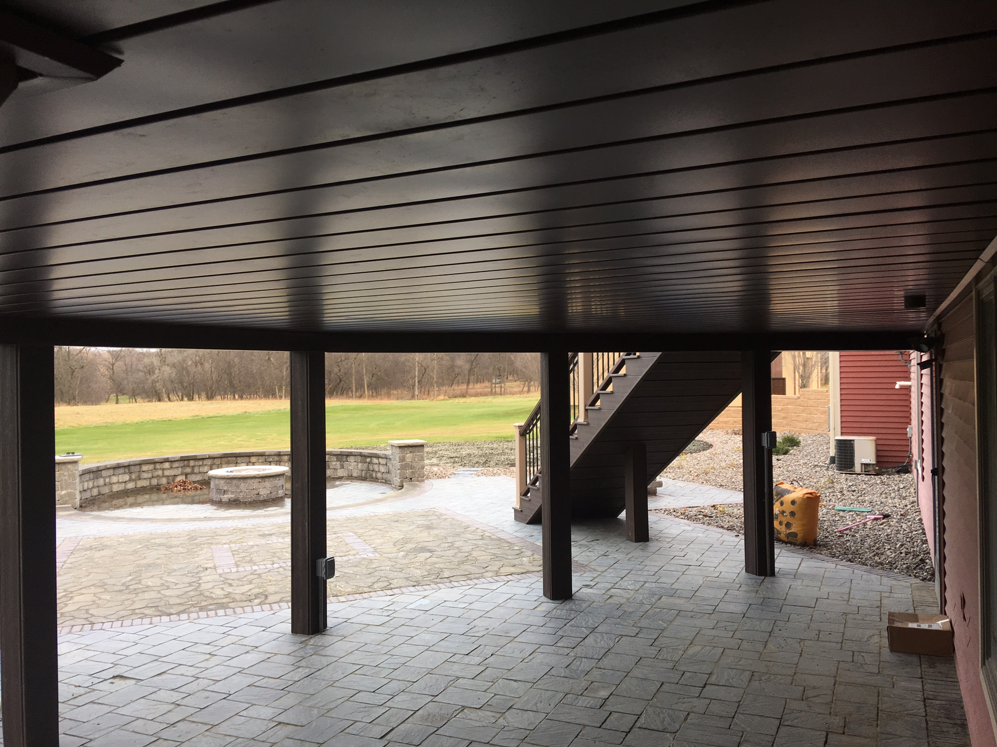 Trex deck with under deck dry space