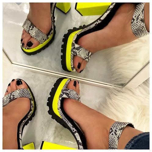 Bumble Bee-heels