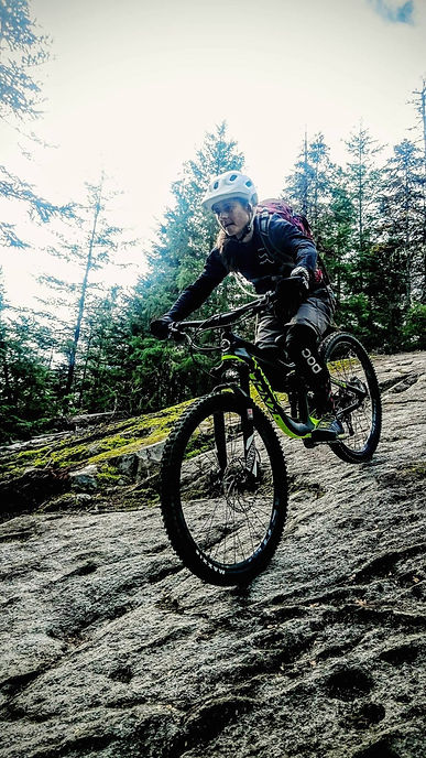 Best womens full suspension bike is a Knolly