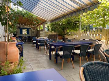 amfipolis-garten-terrasse-3.jpg