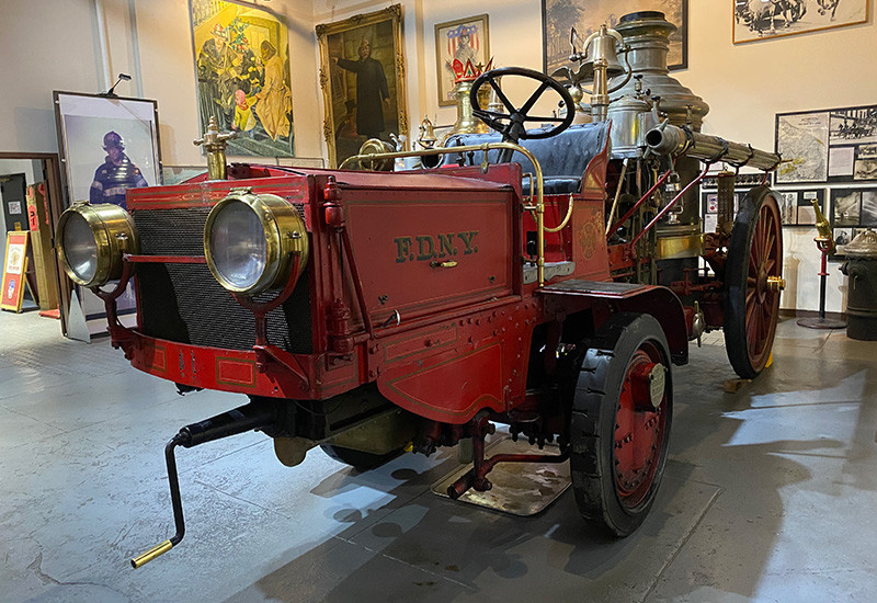 """""""Old 93"""" American-LaFrance Tractor-Steamer"""