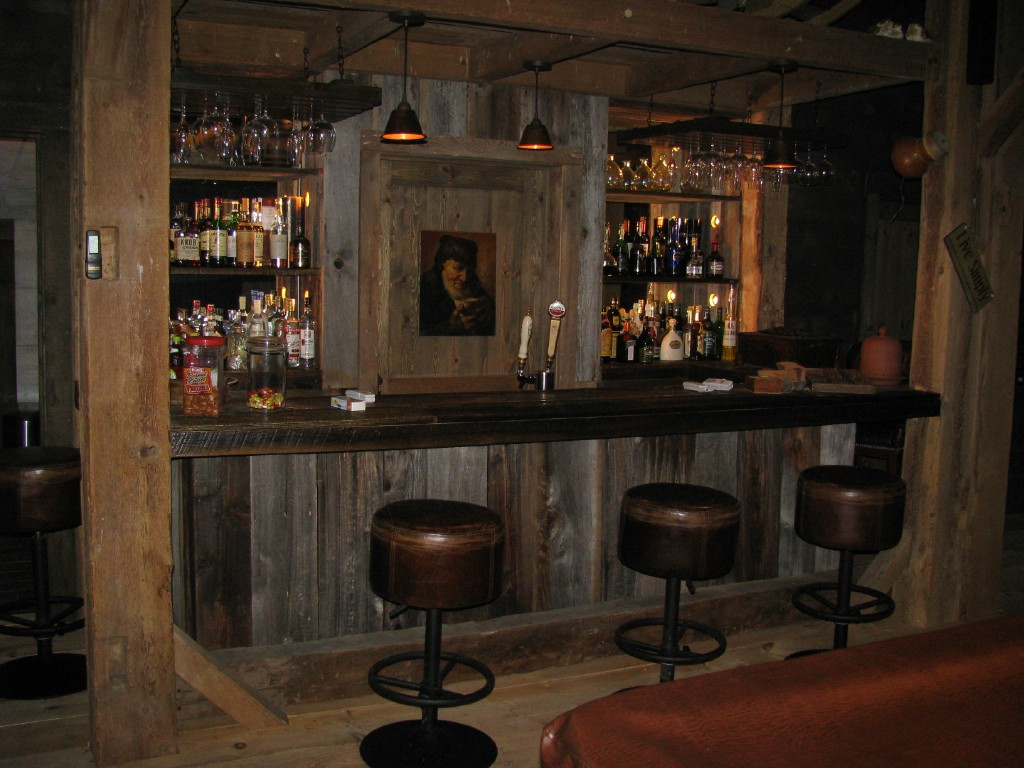 Custom bar in horsebarn