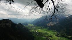Blick über Vils zur Zugspitze