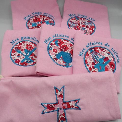sacs de camp - lot rose - broderie turquoise