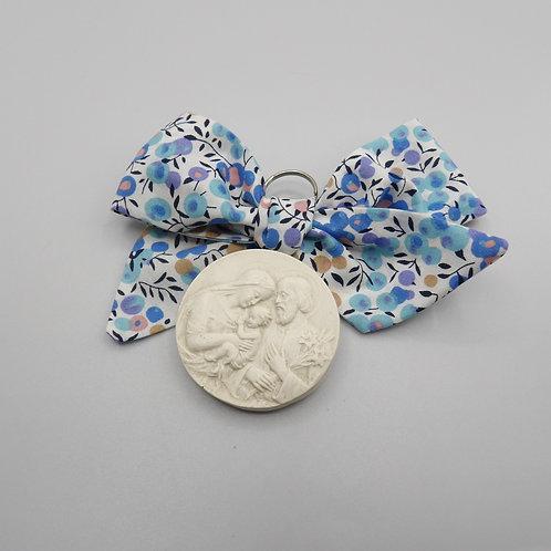 Médaille de berceau -  Sainte Famille - olivier bleu