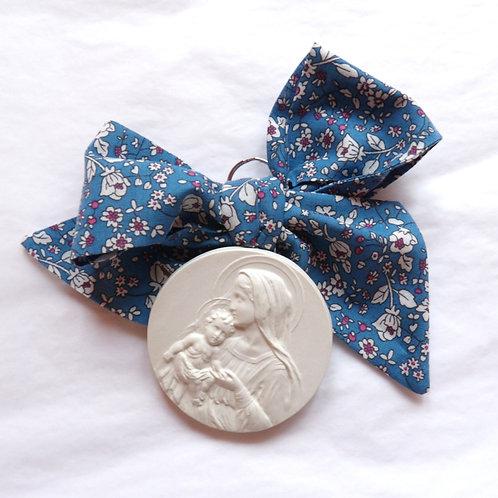 Médaille de berceau -  Vierge à l'Enfant dans les bras - bleu