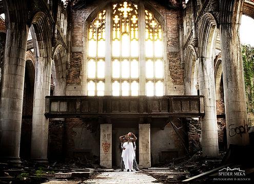 BigGlass_gothic.jpg
