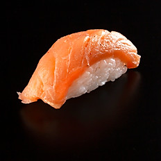Niguiri de salmón ahumado