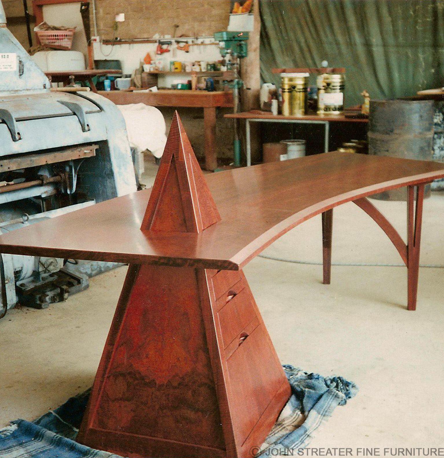Pyramid Desk