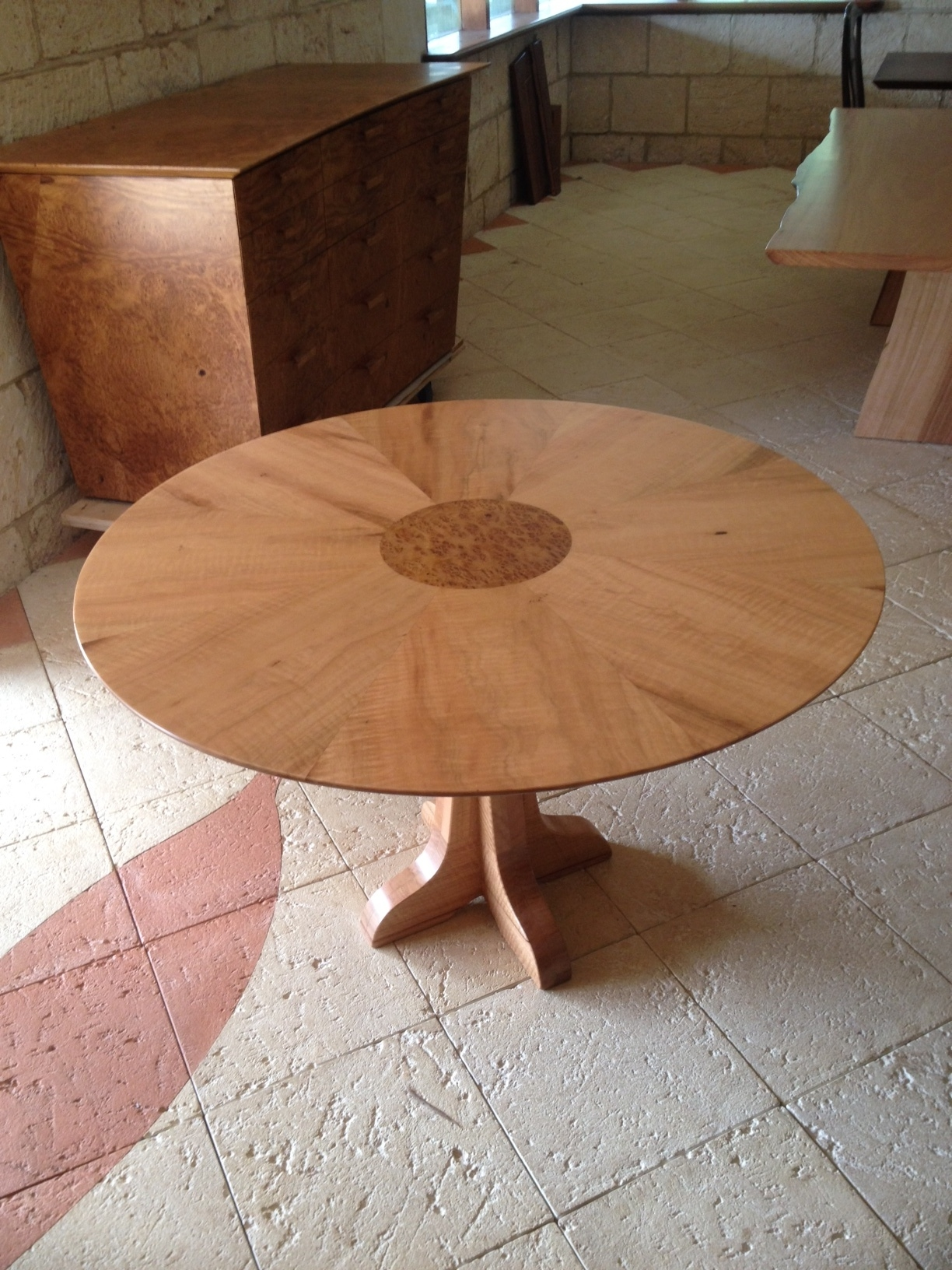 Marri Segmented Table