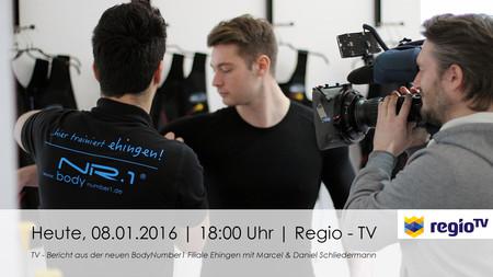 Ehinger Handballprofis Daniel und Marcel Schliedermann testen eine Einheit EMS
