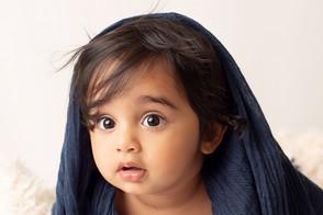 one year old baby milestone photographs.