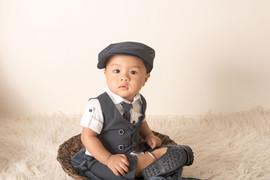one year milestone photographs boy one y