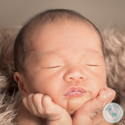 Newborn Boy in froggy pose