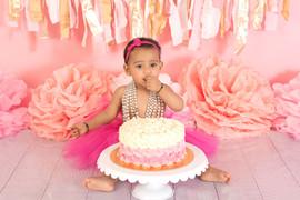 Baby girl cake smash pink.jpg