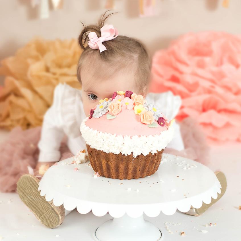 I see a cake