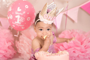 pink princess cake smash.jpg