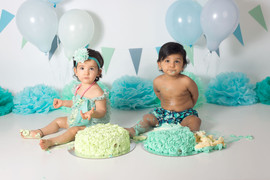 Twins cake smash green