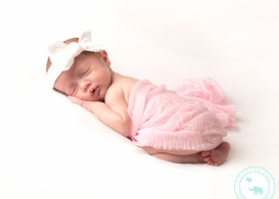 Claudia & India, Twin Girls 3 weeks old