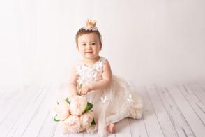 one year old milestone photographer girl