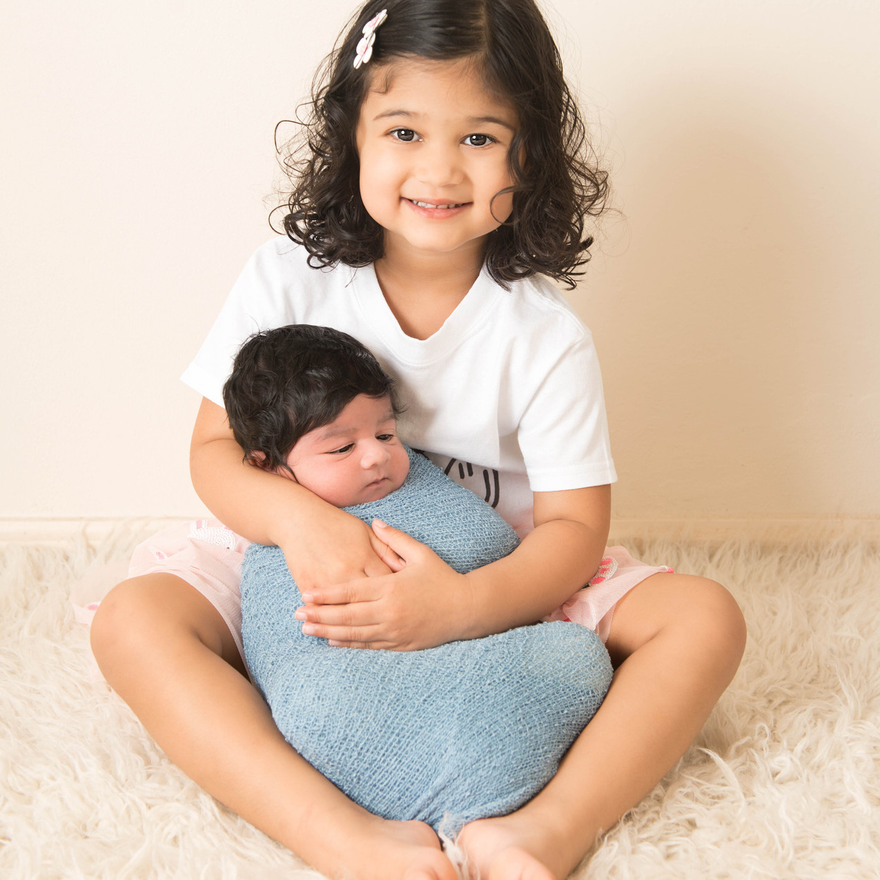 newborn and sister photography