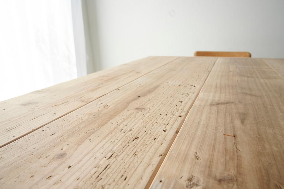 足場板古材のテーブル板目
