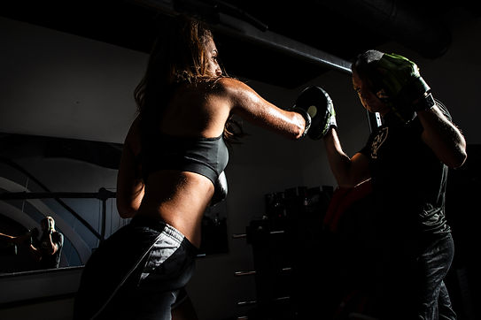 people-boxing-inside-gym-1862785.jpg