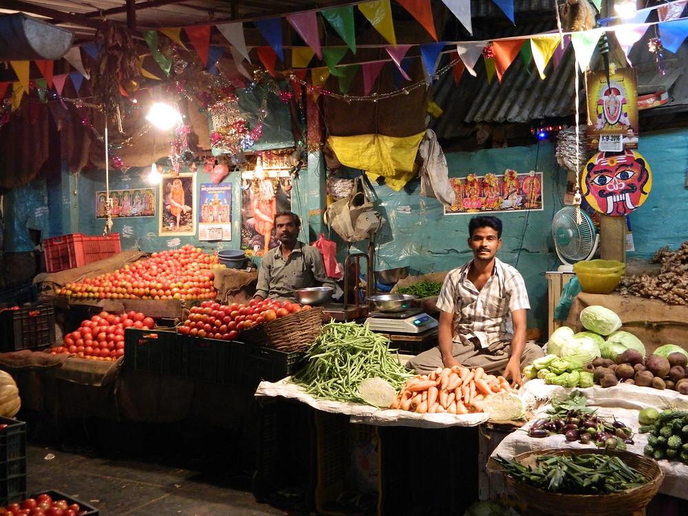 Marchands de légumes au grand bazar de Pondichérry