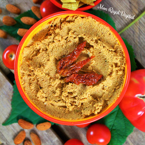 Tartinade style hummus à la pulpe d'amandes/oléagineux (okara) et aux tomates séchées