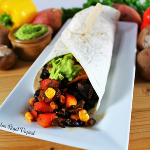 Tacos épicés aux haricots noirs germés, maïs et légumes avec guacamole {Végane, sans gluten}
