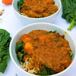 Le meilleur dhal indien aux lentilles corail, lait de coco & patates douces sur riz brun