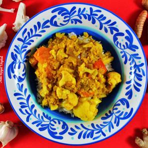Curry de chou-fleur, gingembre & lentilles corail (style Gobi masala) {Végane, sans gluten}