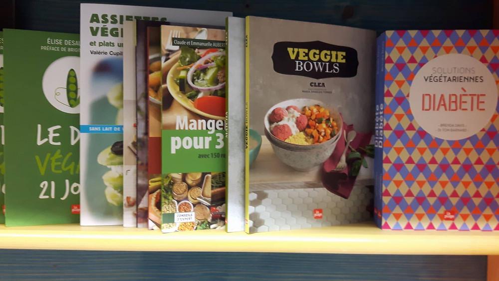 Plusieurs livres de recettes végé