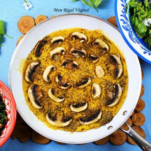 Assiette sauvage d'été: omelette de pois chiches, sauté champignons-ortie et salade sauvage