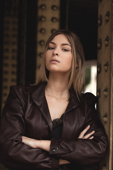 Ilona-portrait-2.jpg