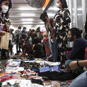 ¿Quiénes son las 'nenis'? Mujeres que sostienen millones de hogares en México