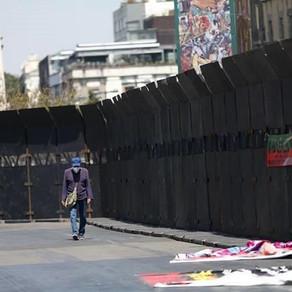 Acusan 'muro de la vergüenza y machista' en Palacio