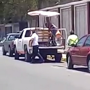 """Miembros del ayuntamiento de Texcoco piden """"moches"""" para poder vender en la calle"""
