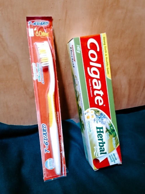 1 set: 1 tooth paste tube & 1 tooth brush