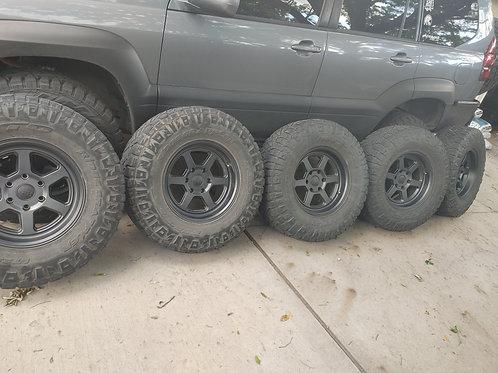 x5 Ridge Grapplers on Back Rhino Wheels