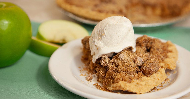 World Famous Apple Cobbler Pie