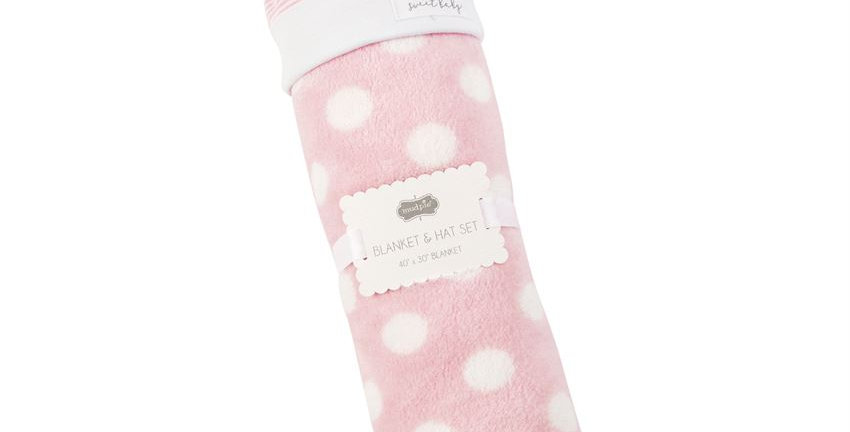 Pink sweet baby hat and blanket set